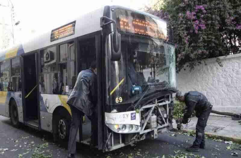 მძღოლის გარეშე დაგორებული ავტობუსი თესალონიკში და მორიგი ავარია ათენში