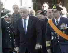 მამაკაცმა საბერძნეთის პრეზიდენტზე, პროკოპის პავლოპულოზე თავდასხმა სცადა