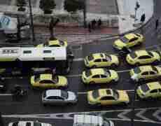 ფრთხილად ათენში ტაქსით მგზავრობისას! – მათ მართვის მოწმობა არ აქვთ და თანხაშიც გატყუებენ
